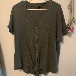Torrid Size 0 Gray Short Sleeve sweater blouse